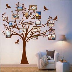 árvore de quadros na parede do quarto