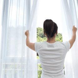 saiba como evitar cheiro de mofo em casa